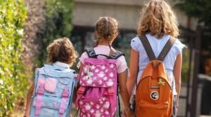 bambini scuola zaini