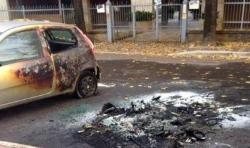 incendio auto via alfieri
