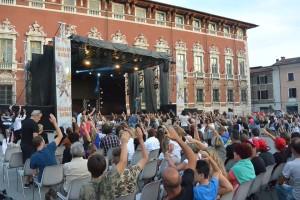 Foto Pubblico Palco Piazza Aranci FB14