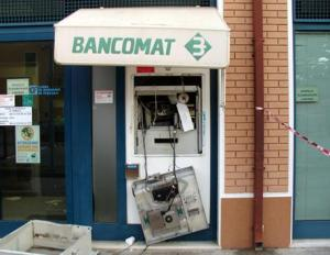 Criminalità: sgominata da Cc banda dedita a furti bancomat