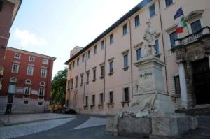 piazza accademia