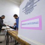Un momento delle operazioni di voto per il Referendum Costituzionale presso il seggio di piazza del Collegio Romano, Roma, 4 dicembre 2016. ANSA/ANGELO CARCONI